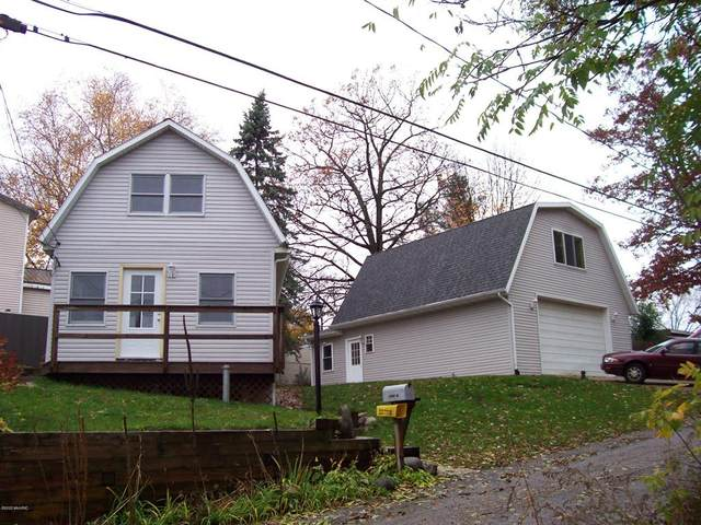 11963 Camp Lake Drive NE, Algoma Twp, MI 49345 (#65020044857) :: Novak & Associates