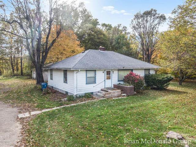 3716 E G Avenue, Kalamazoo Twp, MI 49004 (#65020045623) :: The Mulvihill Group