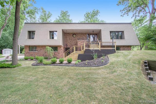 39950 Moravian Drive, Clinton Twp, MI 48036 (#2210000161) :: The Alex Nugent Team | Real Estate One