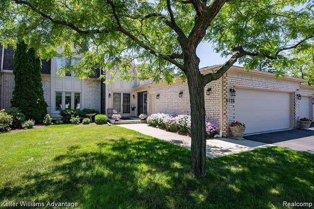 5128 Woodlands Drive, Bloomfield Twp, MI 48302 (#2210000437) :: The Alex Nugent Team | Real Estate One