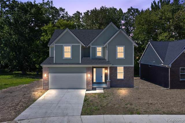 47460 Bayside Circle West, Chesterfield Twp, MI 48047 (#2210000704) :: The Alex Nugent Team | Real Estate One
