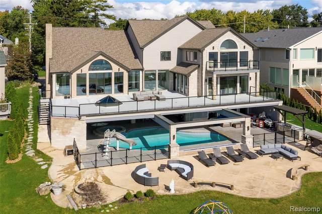 3955 Lake Front Street, Waterford Twp, MI 48328 (#2210000997) :: GK Real Estate Team
