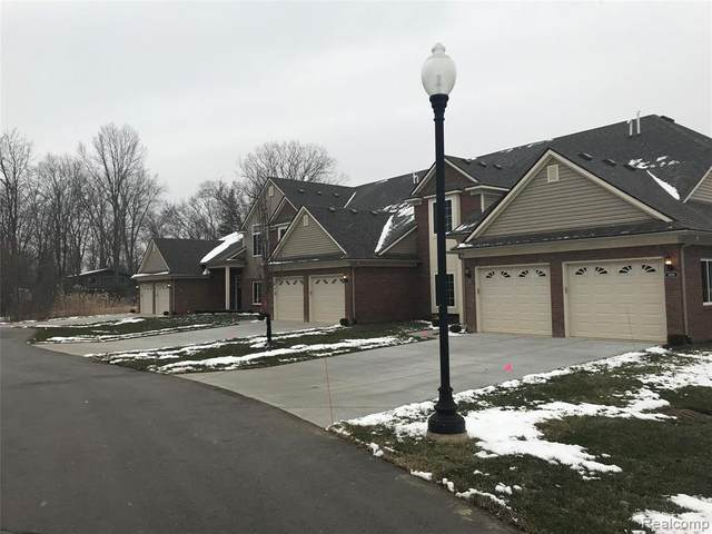 3852 Eagle Creek Drive #72, Shelby Twp, MI 48317 (#2210001000) :: The Alex Nugent Team | Real Estate One
