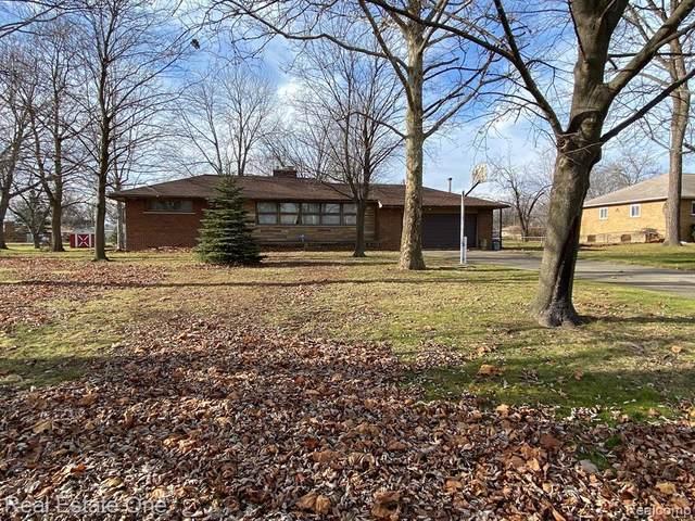 6515 Fairwood Drive, Dearborn Heights, MI 48127 (MLS #2210001008) :: The Toth Team