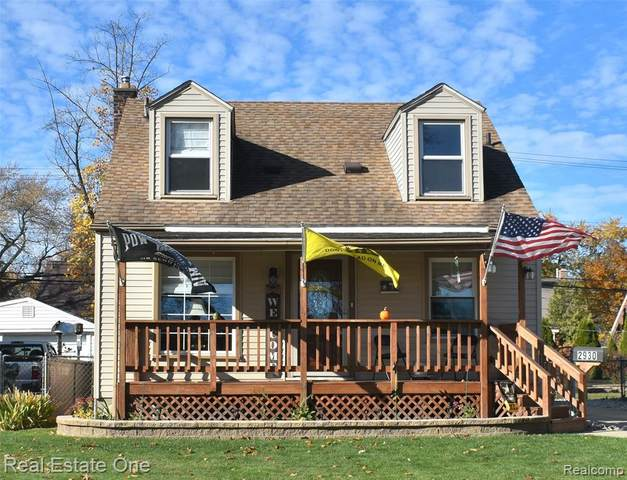 2930 Saint Paul, Trenton, MI 48183 (#2210001532) :: BestMichiganHouses.com