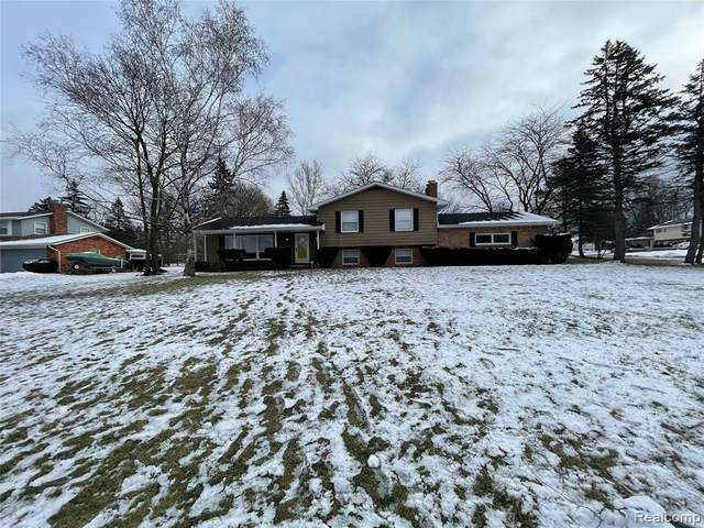1149 Kennebec Road, Grand Blanc Twp, MI 48439 (#2210001932) :: The Merrie Johnson Team