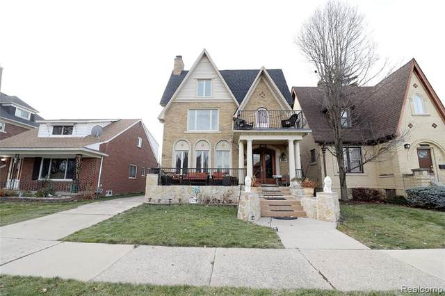 7559 W Morrow Circle, Dearborn, MI 48126 (#2210002351) :: Real Estate For A CAUSE