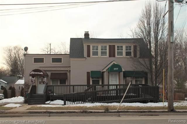 207 N Saginaw Street, Holly Vlg, MI 48442 (#2210002483) :: The Merrie Johnson Team