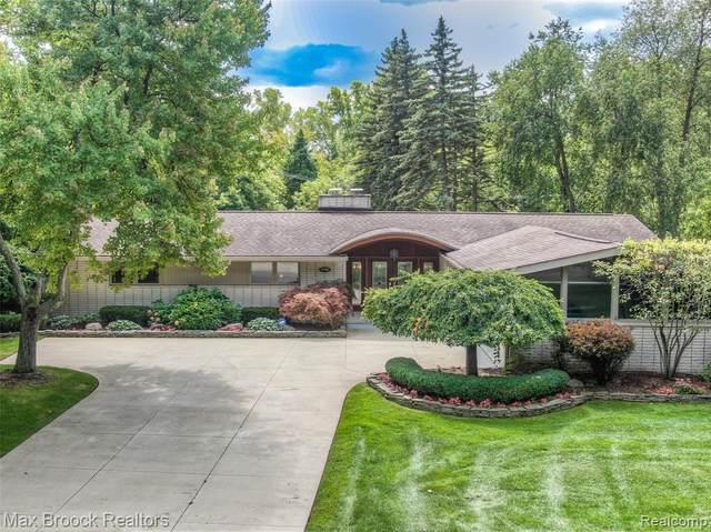 3790 Burning Tree Drive, Bloomfield Twp, MI 48302 (#2210002881) :: BestMichiganHouses.com