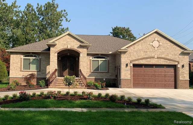 7246 Manor, Dearborn, MI 48126 (#2210002959) :: Real Estate For A CAUSE