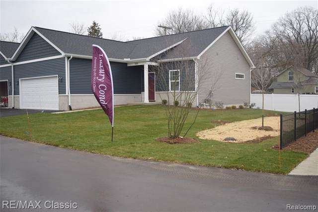 990 E Clinton, Howell, MI 48843 (#2210003057) :: The Mulvihill Group