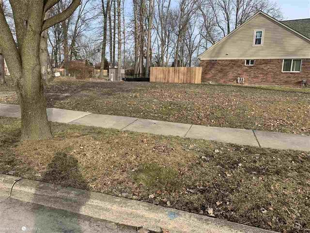 22701 Overlake, Saint Clair Shores, MI 48080 (#58050032259) :: The Mulvihill Group