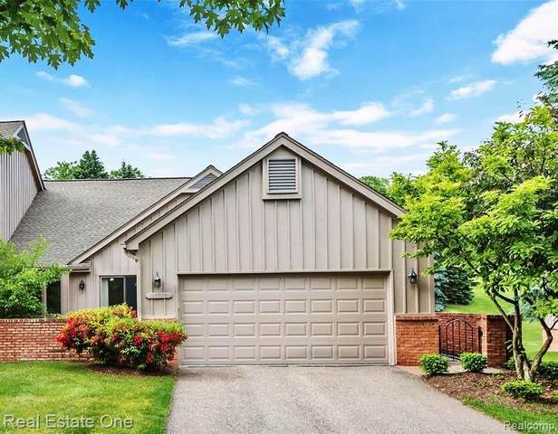 37828 Siena Drive, Farmington Hills, MI 48331 (#2210003173) :: Keller Williams West Bloomfield