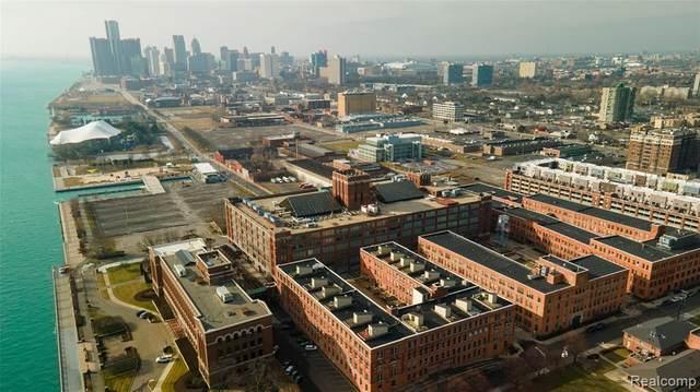 200 River Place Drive #31, Detroit, MI 48207 (MLS #2210003278) :: The John Wentworth Group
