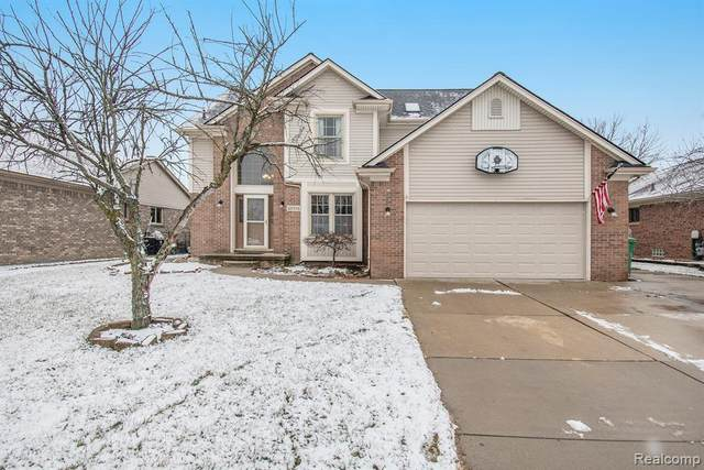 28796 Wales Drive, Chesterfield Twp, MI 48047 (MLS #2210003281) :: The Toth Team