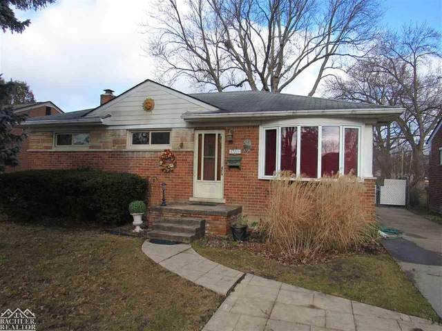 23205 Brookdale Blvd, Saint Clair Shores, MI 48082 (MLS #58050032371) :: The John Wentworth Group