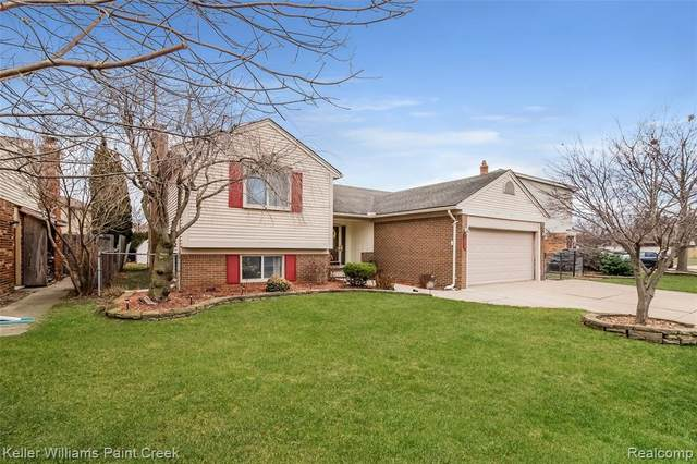 17287 Yorktown Lane, Macomb Twp, MI 48044 (MLS #2210003600) :: The John Wentworth Group