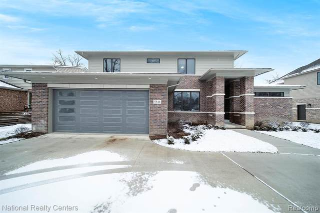 5546 Sunnycrest Drive, West Bloomfield Twp, MI 48323 (MLS #2210003708) :: The John Wentworth Group