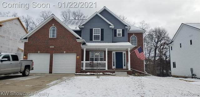2132 Rolling Hills Drive, Holly Twp, MI 48442 (#2210003756) :: The Merrie Johnson Team