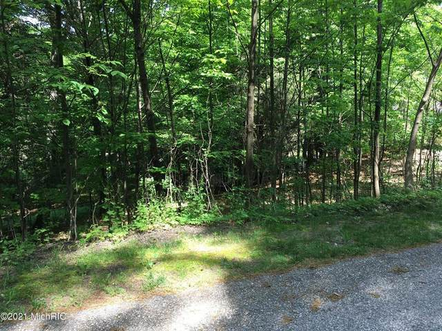 4705 Forest Ridge Drive Lot 18, Holland, MI 49423 (#71021001573) :: The Mulvihill Group