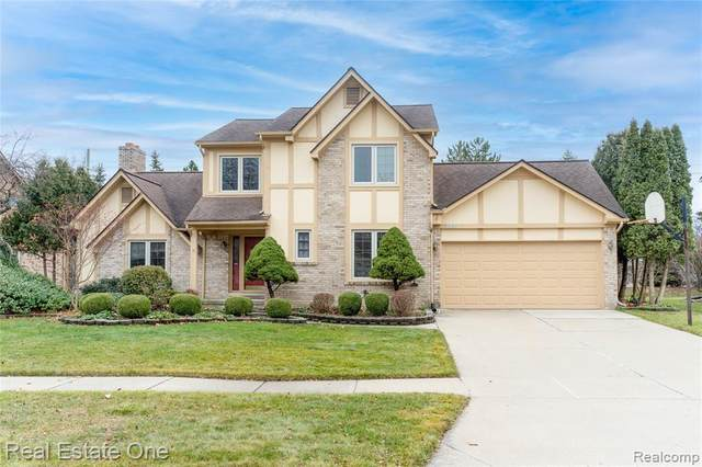 2346 Saffron Court, Troy, MI 48098 (MLS #2210004243) :: The John Wentworth Group