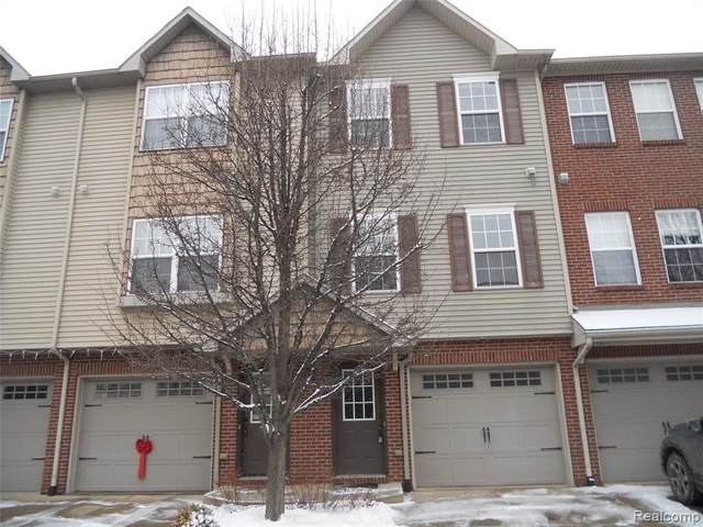 1625 Red Hickory Court, Howell Twp, MI 48855 (#2210004382) :: The Mulvihill Group