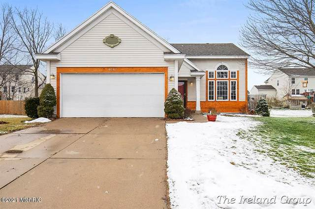 4647 Meadow Lake Drive SE, Kentwood Twp, MI 49512 (#65021001836) :: The Alex Nugent Team | Real Estate One