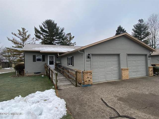 3227 SE Piccadilly Circle, Kentwood Twp, MI 49512 (#67021001859) :: The Alex Nugent Team | Real Estate One