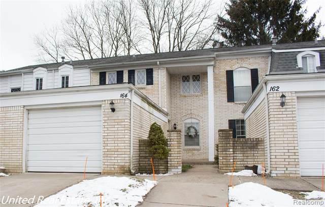 164 Stratford Lane, Rochester Hills, MI 48309 (#2210004395) :: The Merrie Johnson Team