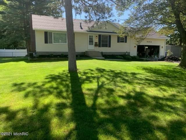 5182 Pine Ridge Drive, Norton Shores, MI 49441 (#65021001993) :: Robert E Smith Realty
