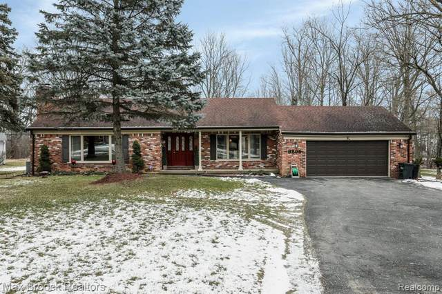 6805 E Nashway Drive, West Bloomfield Twp, MI 48322 (#2210004663) :: The Alex Nugent Team   Real Estate One