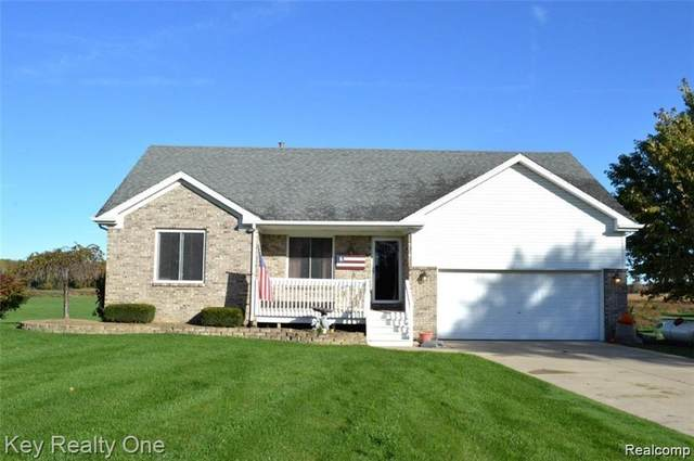 8739 Hollow Corners Road, Almont Twp, MI 48003 (#2210004667) :: Robert E Smith Realty