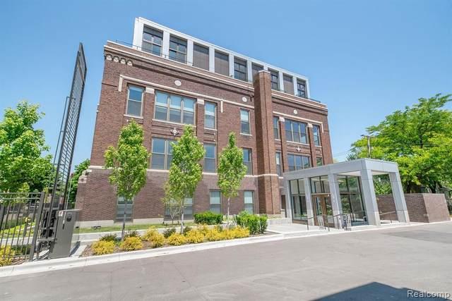 1454 Townsend Street #405, Detroit, MI 48214 (#2210004774) :: Alan Brown Group