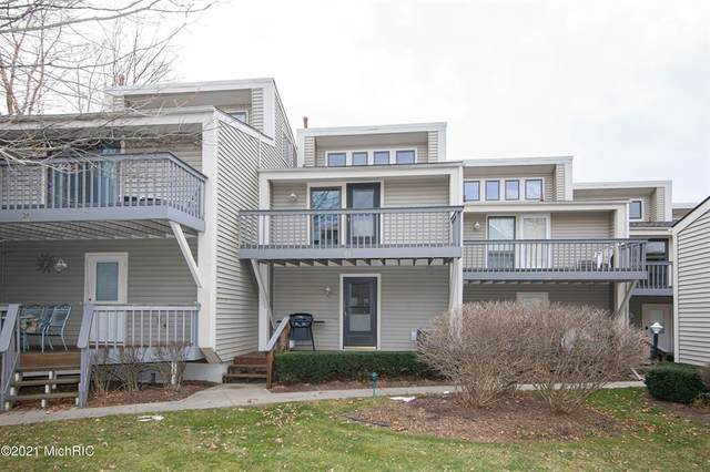 69 North Shore Drive #29, South Haven, MI 49090 (#69021002071) :: Keller Williams West Bloomfield