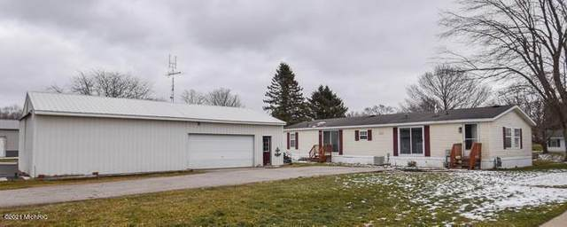709 W Channel Dr, Algansee Twp, MI 49036 (#62021002163) :: Real Estate For A CAUSE