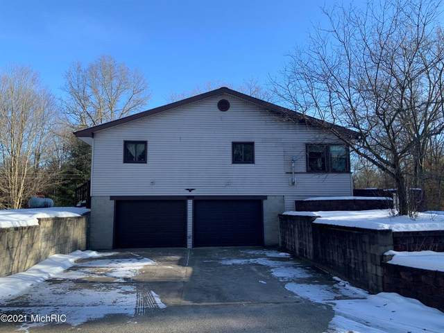 2440 Gary Drive, Sherman Twp - Newaygo, MI 49412 (#72021002240) :: The Mulvihill Group