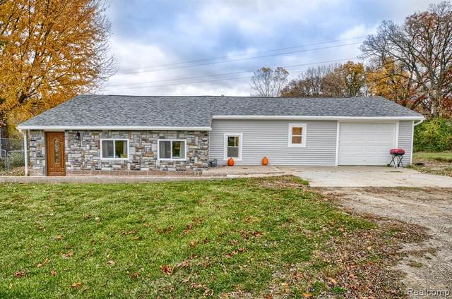 9299 Fenton Road, Mundy Twp, MI 48439 (MLS #2210005181) :: The Toth Team