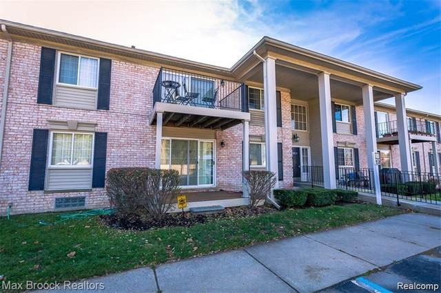 6103 Orchard Lake Rd Apt 104, West Bloomfield Twp, MI 48322 (#2210005672) :: The Merrie Johnson Team