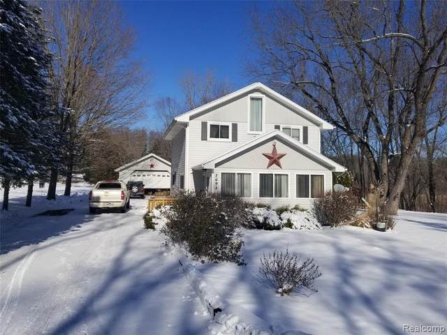 7092 Griswold Road, Kimball Twp, MI 48074 (#2210005852) :: Keller Williams West Bloomfield