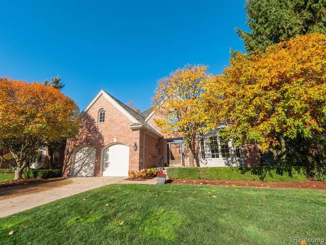 8 Vaughan, Bloomfield Hills, MI 48304 (#2210005855) :: The Alex Nugent Team   Real Estate One