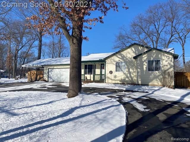 4121 Braidwood Drive, White Lake Twp, MI 48383 (#2210005898) :: The Alex Nugent Team   Real Estate One