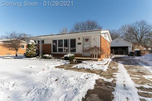 17552 Rougeway, Livonia, MI 48152 (#543278529) :: BestMichiganHouses.com