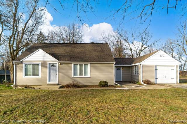 6635 Walters Road, Independence Twp, MI 48346 (#2210006414) :: BestMichiganHouses.com