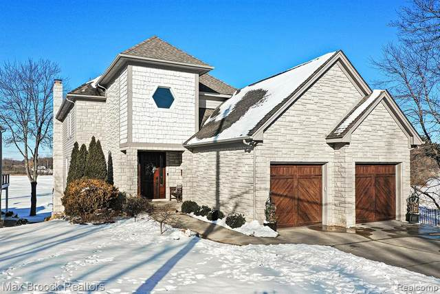 1662 Lakesview Drive, Oxford Twp, MI 48371 (MLS #2210006751) :: The John Wentworth Group