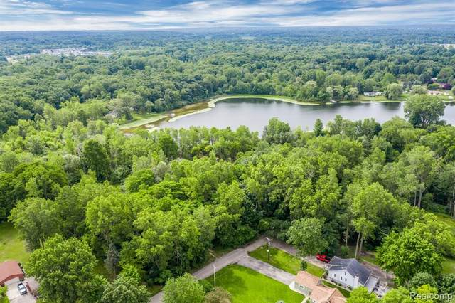 LOT Riviera Shores Drive, Holly Twp, MI 48442 (MLS #2210006767) :: The Toth Team