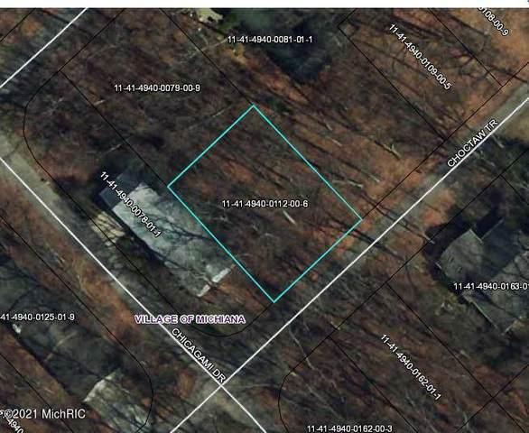 4106 Choctaw Trail, Michiana Vlg, MI 49117 (#69021003198) :: The Alex Nugent Team | Real Estate One