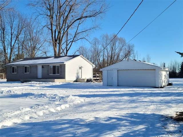 3255 Davison Lake Road, Brandon Twp, MI 48462 (MLS #2210007302) :: The Toth Team