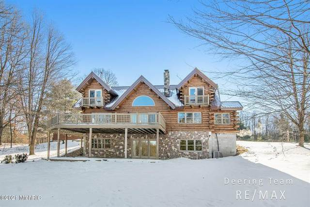 4585 W Arrowhead Drive, Lincoln Twp-Newaygo, MI 49349 (#65021003737) :: Real Estate For A CAUSE