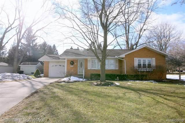 145 N Holcomb Road, Village Of Clarkston, MI 48346 (#2210008653) :: Keller Williams West Bloomfield