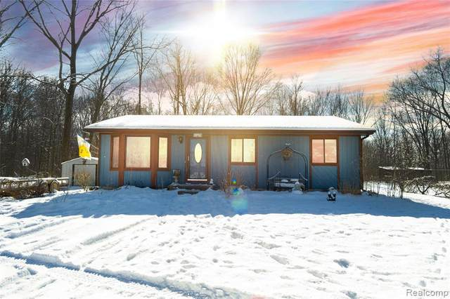5166 Iosco Road, Webberville Vlg, MI 48892 (#2210009006) :: The Merrie Johnson Team
